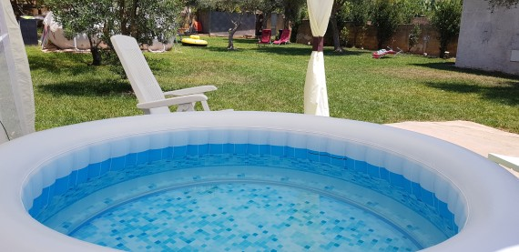 naked, naturism in Sicily, spa for naturists, nudism, naturist holiday in sicily